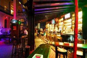 Morrison's 2 dans Party Morrisons-Music-Pub_3-300x200